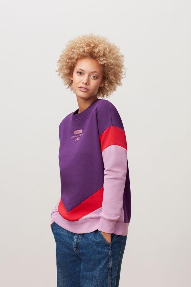 kairy sweatshirt in webimage-7D1A4CAB-E3BB-4AE7-AD0EB80EAE574CBC