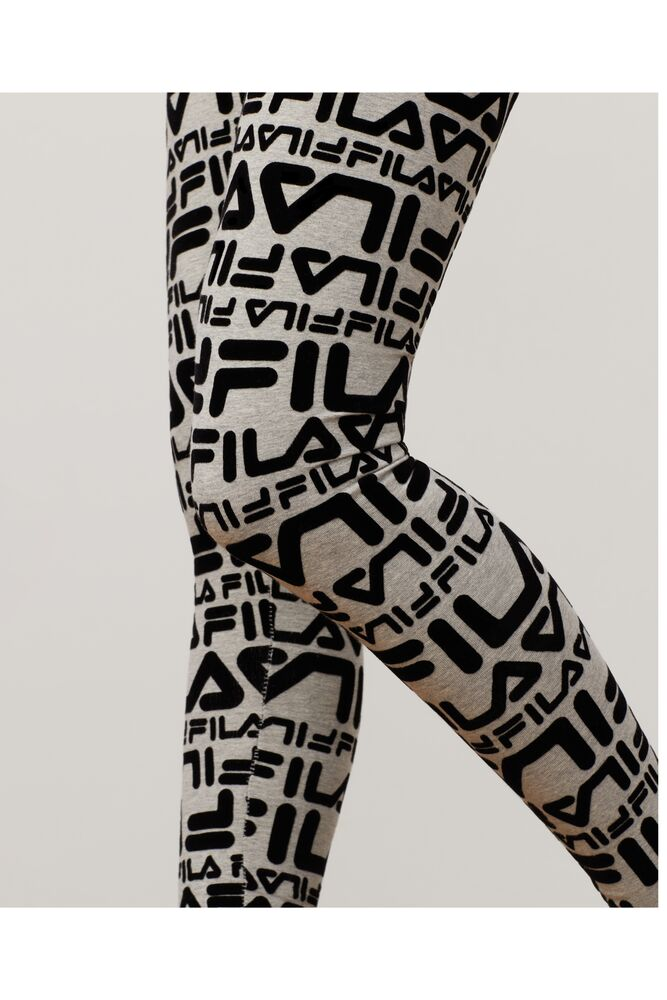 kaylee legging in webimage-CFB68797-743A-47D7-AE1ABE2F0424288A