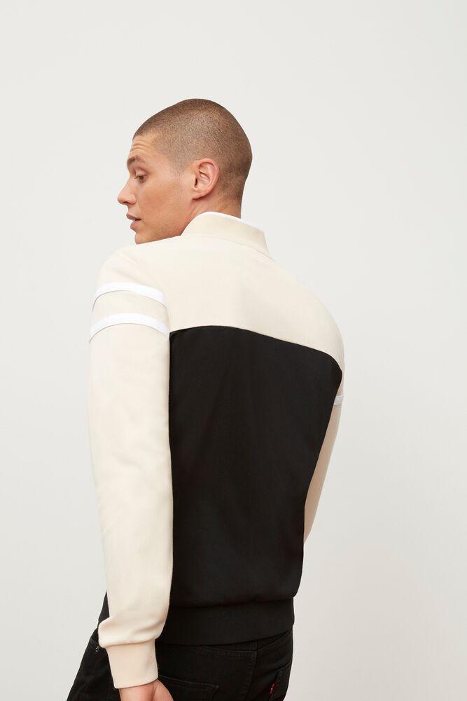 naso jacket in webimage-8DAA34A2-F25F-4243-84A27E62C452A05B