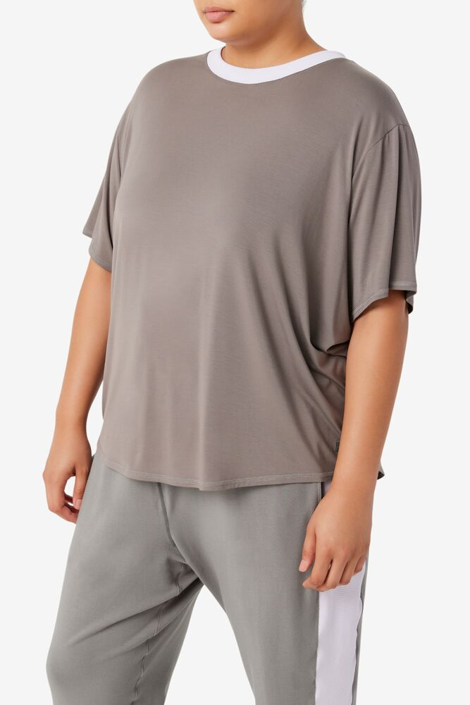 Fi-Lux Short Sleeve Top in webimage-CFB68797-743A-47D7-AE1ABE2F0424288A